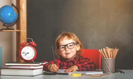 Jak rodzice mogą pomóc dziecku dobrze przygotować się do szkoły